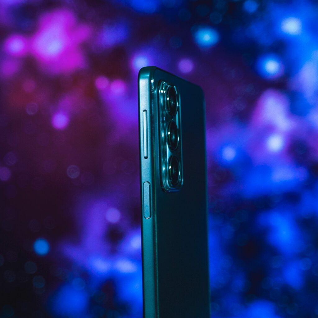 Motorola EDGE 20 - Botones volumen y bloqueo / sensor de huellas